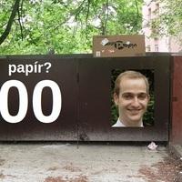Rohadtul kiakadtak a lakók! Stílszerű, hogy nyilvános WC-ként használják Schmidt Csaba körzetében a kukatárolókat!