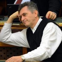 Hamarosan emelik az országgyűlési képviselők fizetését: Bencsik János is többet szakíthat majd! Megérdemli, ugye?