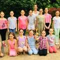 Különleges Silhouette Balett gála a Vértes Agorájában. A tatabányai Hattyú csoport már országos versenyen is bizonyított