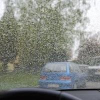 Szerda délutánig felejtse el az ablakpucolást és az autómosást Tatabányán is?