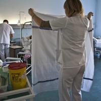 KORMÁNYMATEK: papíron 12 százalékos béremelést kapott az egészségügyi dolgozók jó része, de nem visznek haza több pénzt!