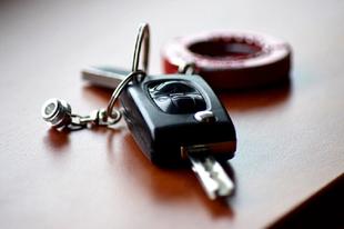 Nagyot bukott a biztosító - minden autóst érinthet a döntés Tatabányán is