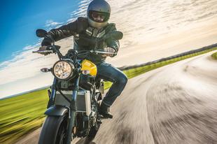 TATABÁNYAI SZELÍD MOTOROSOK, FIGYELEM: ELKÉPESZTŐ VÁLTOZÁS JÖN! Kedvezményes havi motoros e-matrica is váltható május 1-jétől