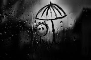 ESŐ, POCSOLYA, GYALOG:Tatabányán gyorsítunk az esőben a kocsinkkal, ha meglátunk egy gyalogost?