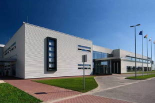 KITÜNTETTÉK A TATABÁNYAI BRIDGESTONE-T! Magyarország családbarát munkahelye címet kapott a cég