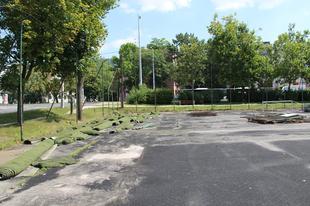 NYOLC MILLIÓVAL támogatja a Grundfos a műfüves pályák felújítását a Jubileum Parkban
