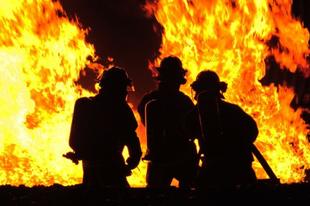 Teljesen kiégett egy kisebb ház Tatabányán