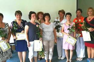 PÉLDAKÉPEK LEHETNEK: Régóta az egészségügyi pályán lévő kollégáit köszöntötte a Szent Borbála Kórház