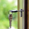 EGY NEHÉZ KÉRDÉSÜNK LENNE: Hogyan tudnak a fiatalok lakáshoz jutni?
