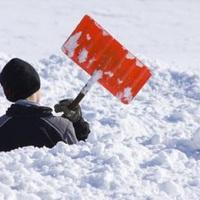ZUGLÓBAN IS: Kemény büntetést kaphatnak a társasházak, ha nincs ellapátolva a járdán lévő hó