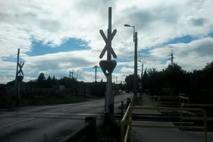 Ma is óvatosan! Nagyszabású ellenőrzést tart a MÁV és a rendőrség a vasúti átjárókban
