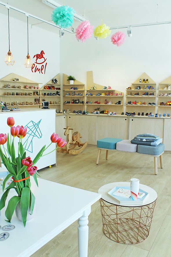 unicorner_concept_store_luxembourg_first_kids_shoes_party_decoration_danish_design_home_accessories.JPG