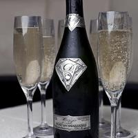 500 millió forintos pezsgő - és Ti mivel koccintotok ma este?