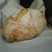 Forró kenyér a hátsó ülésen