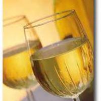 Féláron lehet ma magyar bort rendelni!