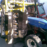 New Holland 75v a szőlőben