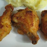 Recept: Csirkeszárny boros sajtbundában
