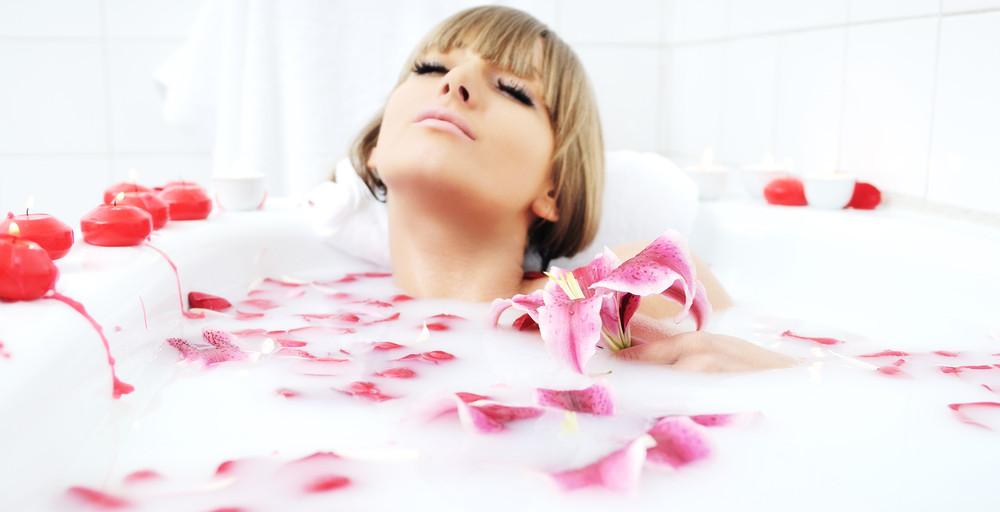 orogold-at-home-spa-treatments-milk-bath.jpg