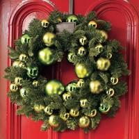 (Karácsonyi) koszorúk az ajtóra