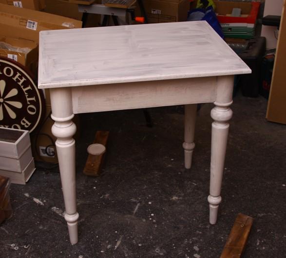 asztalka1.JPG