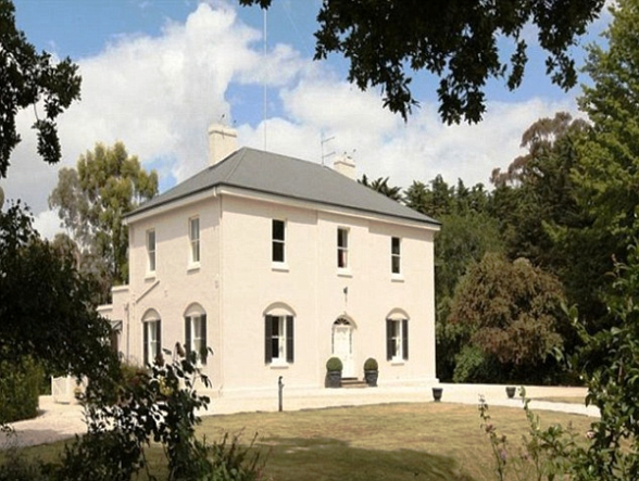 JK-Rowlings-10-7-Million-Mansion-in-Tasmania.jpg