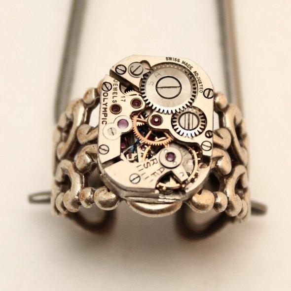 steampunk ring.jpg