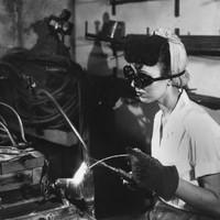 A mai naptól dolgoznak ingyen a nők - de ez csak az egyik gond...