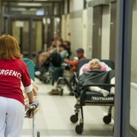 Emberiesség elleni bűntett zajlik a magyar kórházakban