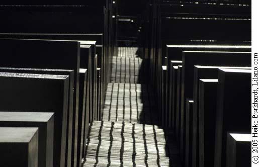 Holocaust-Mahnmal_200512DSC8463.jpg