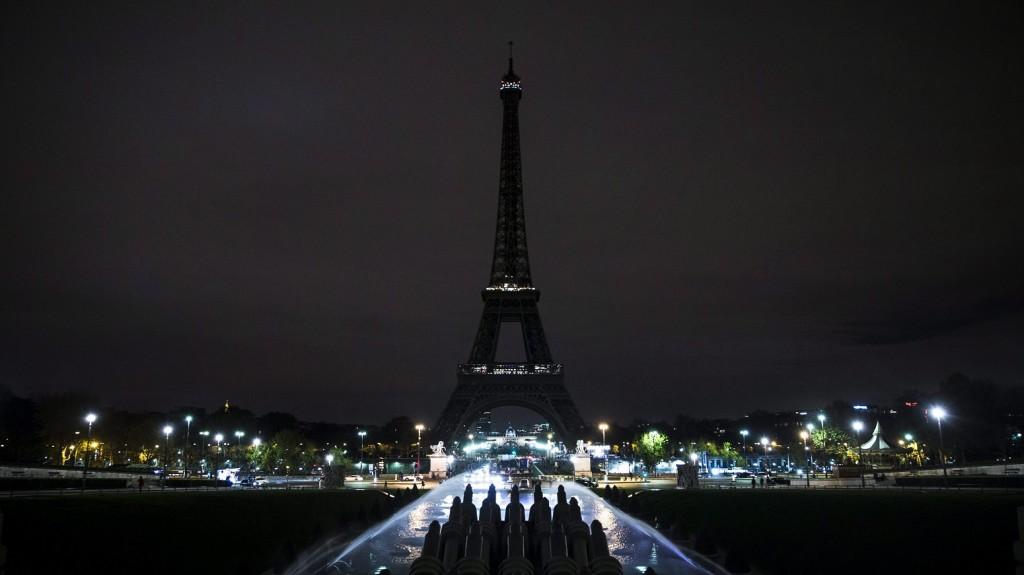 terror-parizsban14-e1447664051113-1024x575.jpg