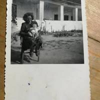 Született: 1928. január 13-án