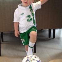 Mit keres az ír mez a kis Rooney-n?