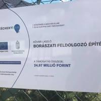 25 millióval támogatta Brüsszel a trafikmutyit tagadó fideszes képviselő fiának borospincéjét