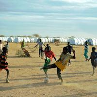 Kis híján visszaküldtek 200 ezer menekültet a háború sújtotta országba