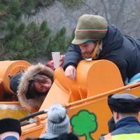 A rendőrök elvették a takarókat a Ligetben tüntető aktivistáktól