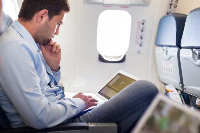 businessman_plane.jpg