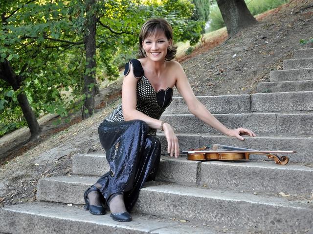 Kettesben Illényi Katicával koncert és talk show
