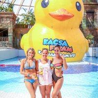 Idén is lesz Kacsafutam: bikiniben versenyeztek a sztárok