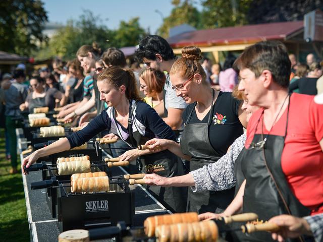Októberben újra hódít az ínycsiklandozó Kürtőskalács Fesztivál