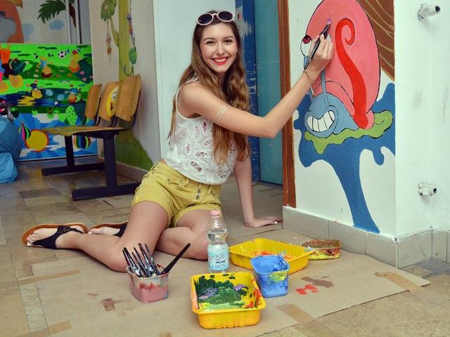SpongyaBobbal díszítették a sztárok a gyermekkórházat
