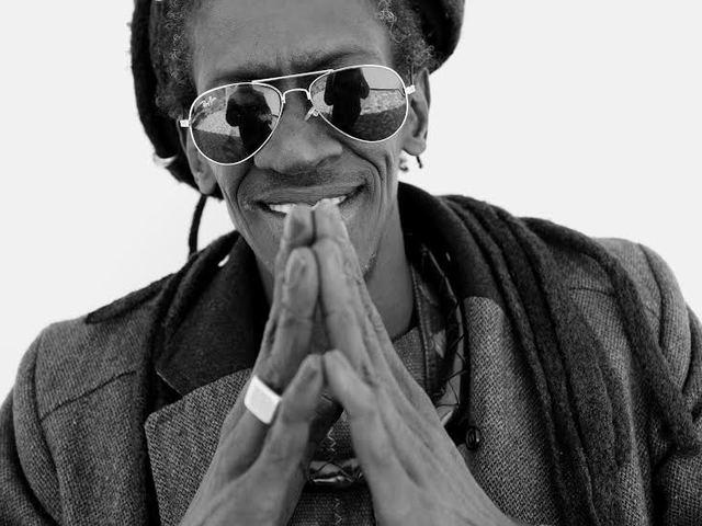 A nyugat-afrikai zene nagyja, Cheikh Lô Budapesten ad koncertet