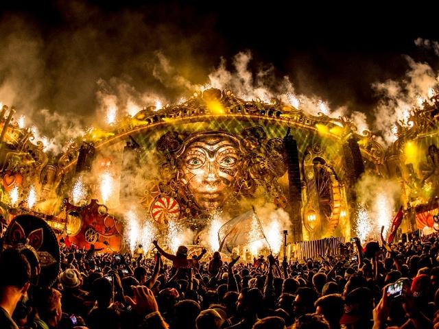 Tomorrowland az első sorból