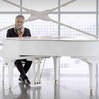 Szekeres Adrien Andrea Bocellivel énekel duettet