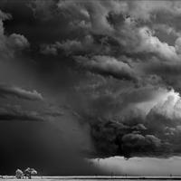 Pusztító vihar, a mai nap végére akár 3000 kárbejelentés is várható a Groupama Biztosítónál