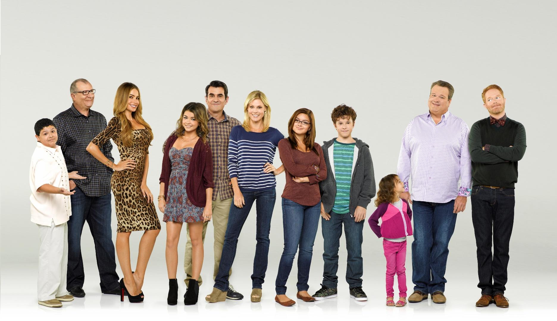 modern_family_cast.jpg