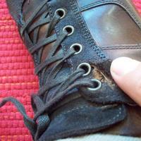 Hamarabb szétesett az új cipőm, mint hogy kiposztoltam volna