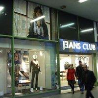 Boltbejárás: Jeans Club, Blaha