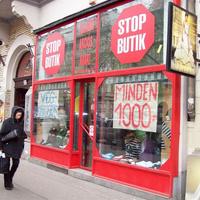 Újabb bolt zár be a Körúton. Végkiárusítás a Stop Butikban