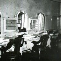 Hosszú út vezetett a sebészborbélyoktól a férfifodrászokig