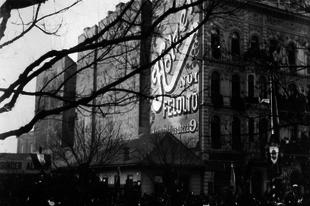 Eladni minden áron – a reklám születése a békebeli Budapesten